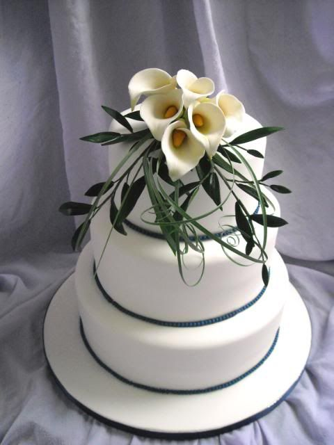 Calla Lily Centerpiece Photo This Was Uploaded By Bridecraft Find Other Cake Weddingwedding Receptionwedding Ideasfree