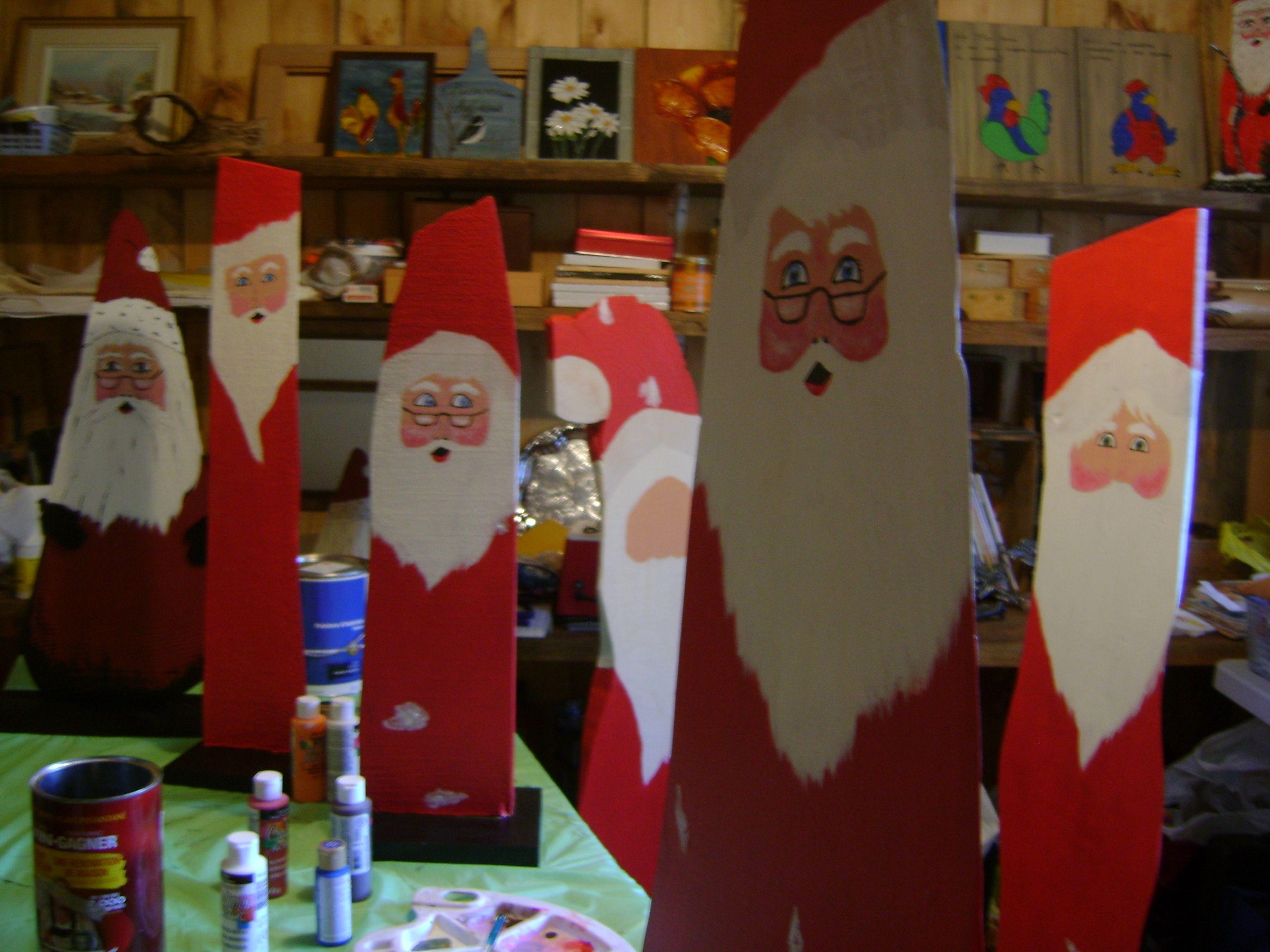 Création de Père Noël en fabrication dans mon atelier en 2013......déménagé maintenant.
