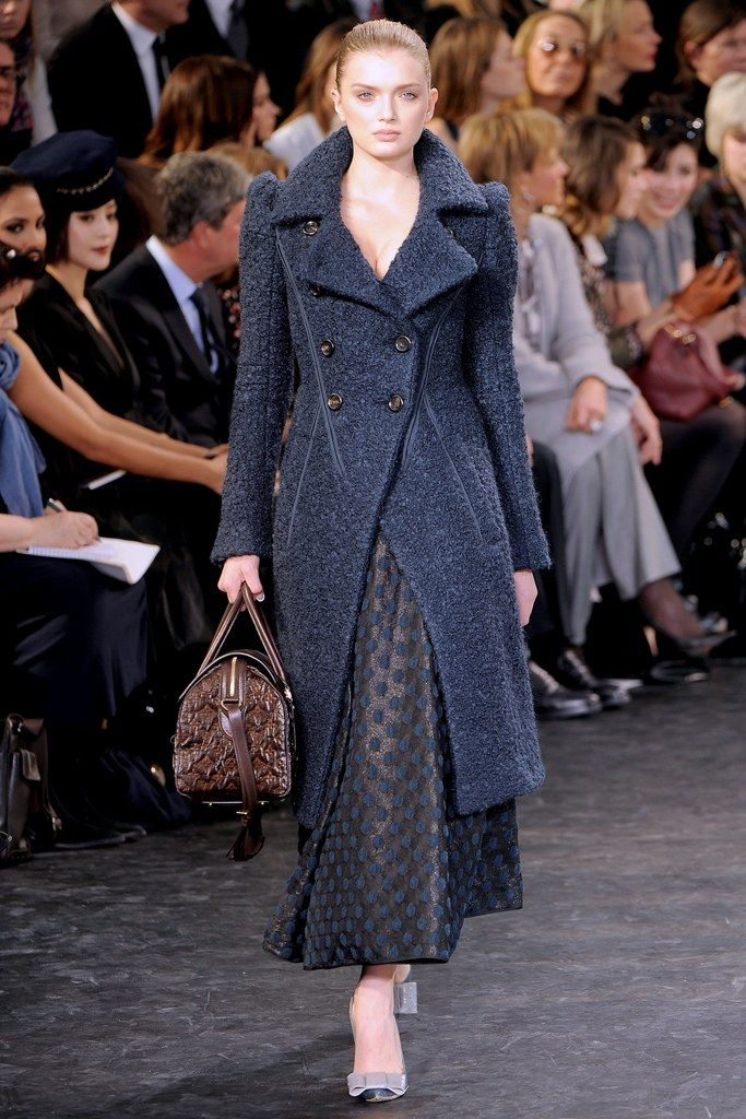 d60659c3f475 Louis Vuitton Fall 2010 Ready-to-Wear Collection Photos - Vogue