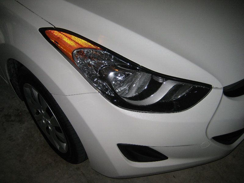Hyundai Elantra Headlight Bulbs Replacement Guide 001 Hyundai Elantra Elantra Headlight Bulb Replacement