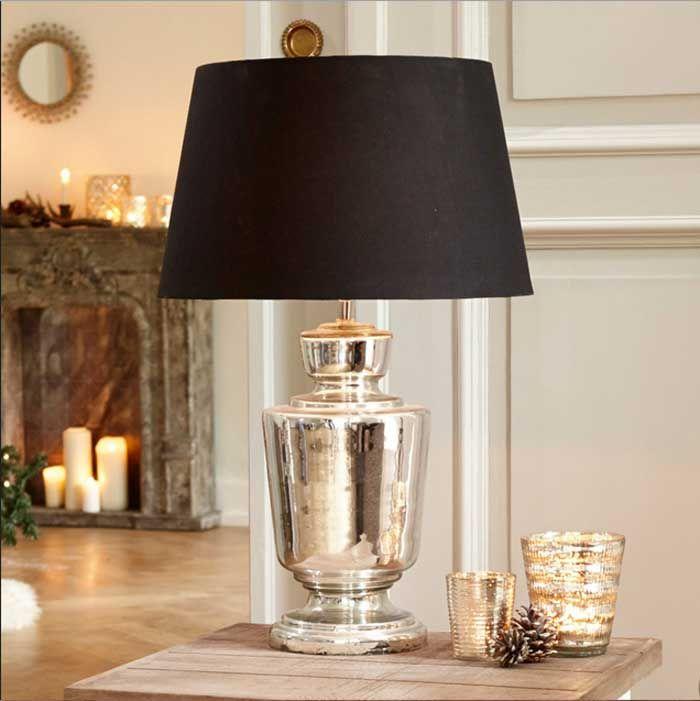 Elegante Tischlampe Mit Wunderschon Geformte Fuss Aus Schwerem Glas In Bauernsilber Technik Verspiegelt Komplette Mit Schwarz Stoff Lampen Table Lamp Lamp Decor
