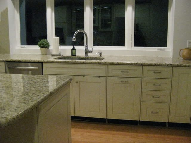 After KraftMaid Cabinets (Canvas Color) Natural Tumble Stone ...