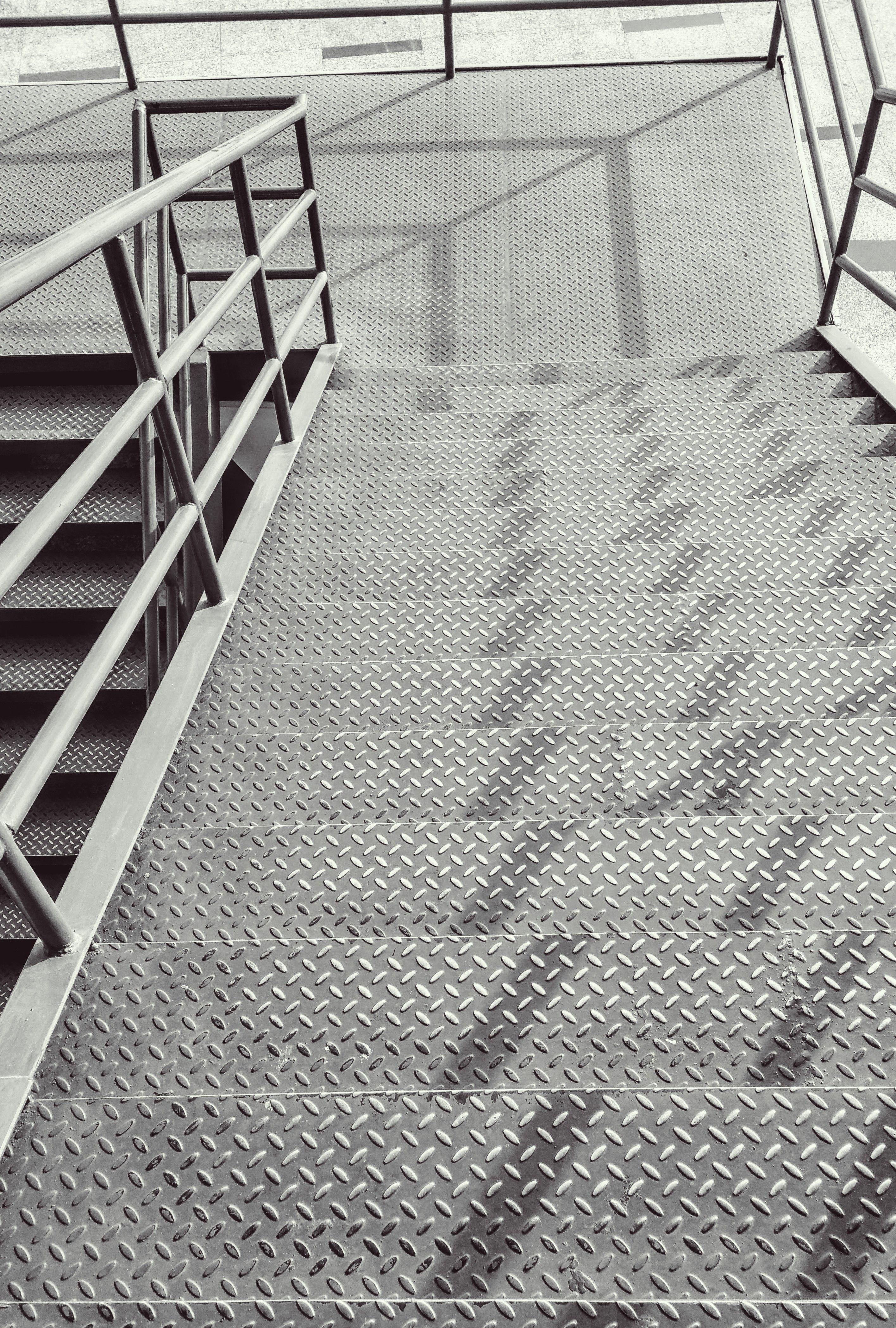 treppe: strukturbleche - trännenblech, warzenblech, riffelblech