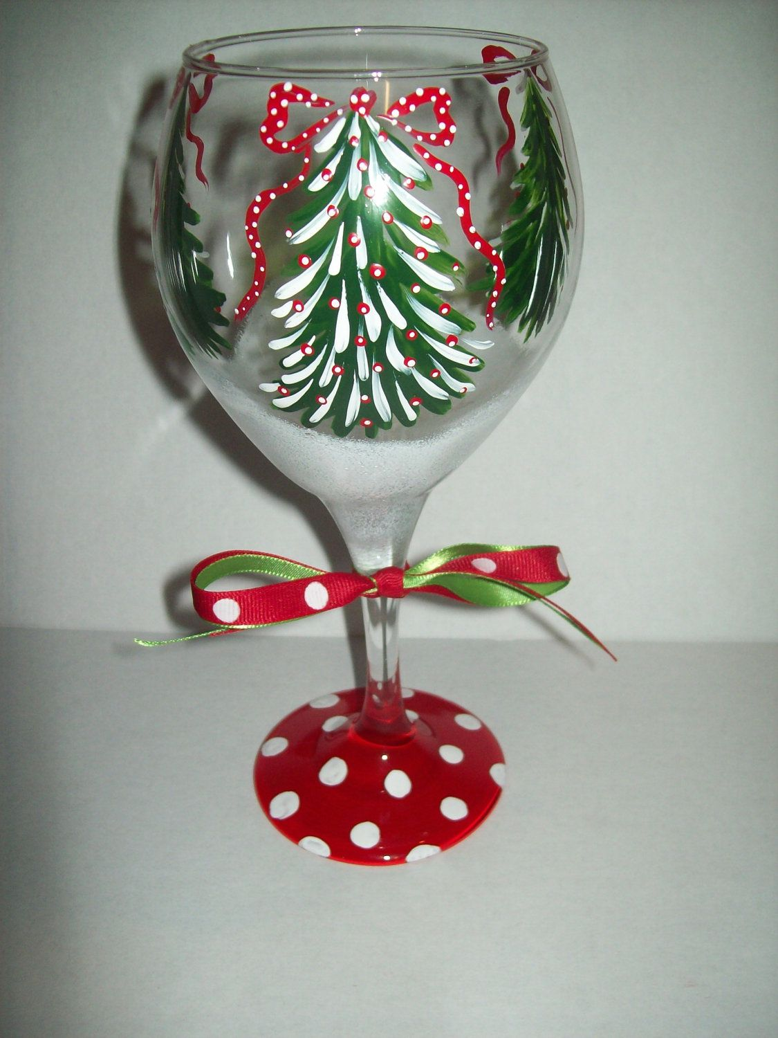 Christmas tree wine glass via etsy christmas for Hand painted wine glass christmas designs