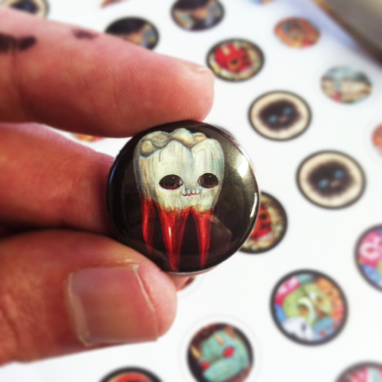 Blood - #artist #blood #buttons #on #raudiel #sangre #tooth #tumblr