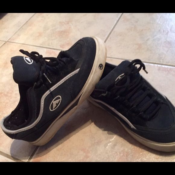 192107ec46 Airwalks sneakers in EUC These are a great pair of airwalks that I bought  years ago and have worn only a handful of times. They are suede shoes and a  solid ...