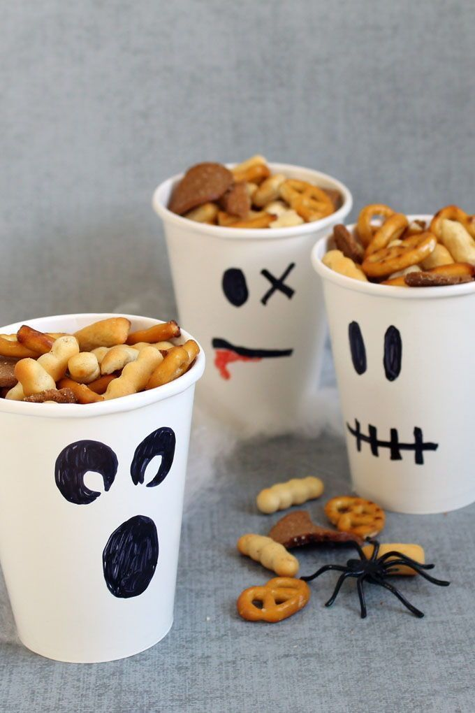 Ghost party cups/snack cups. HEALTHY HALLOWEEN TREATS and SNACKS.