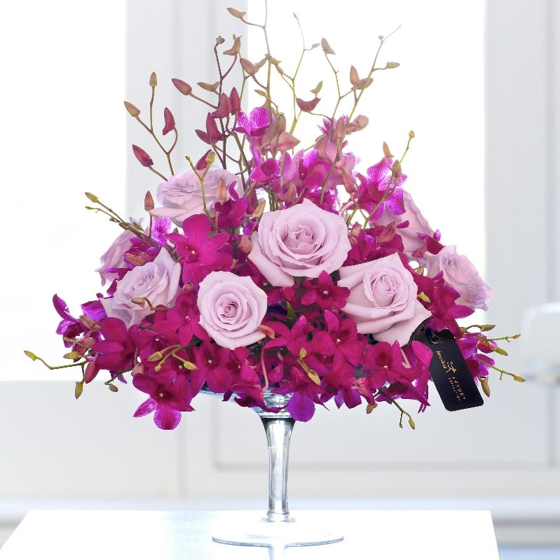 Pictures of purple rose flower arrangements luxury for Flower arrangements with roses