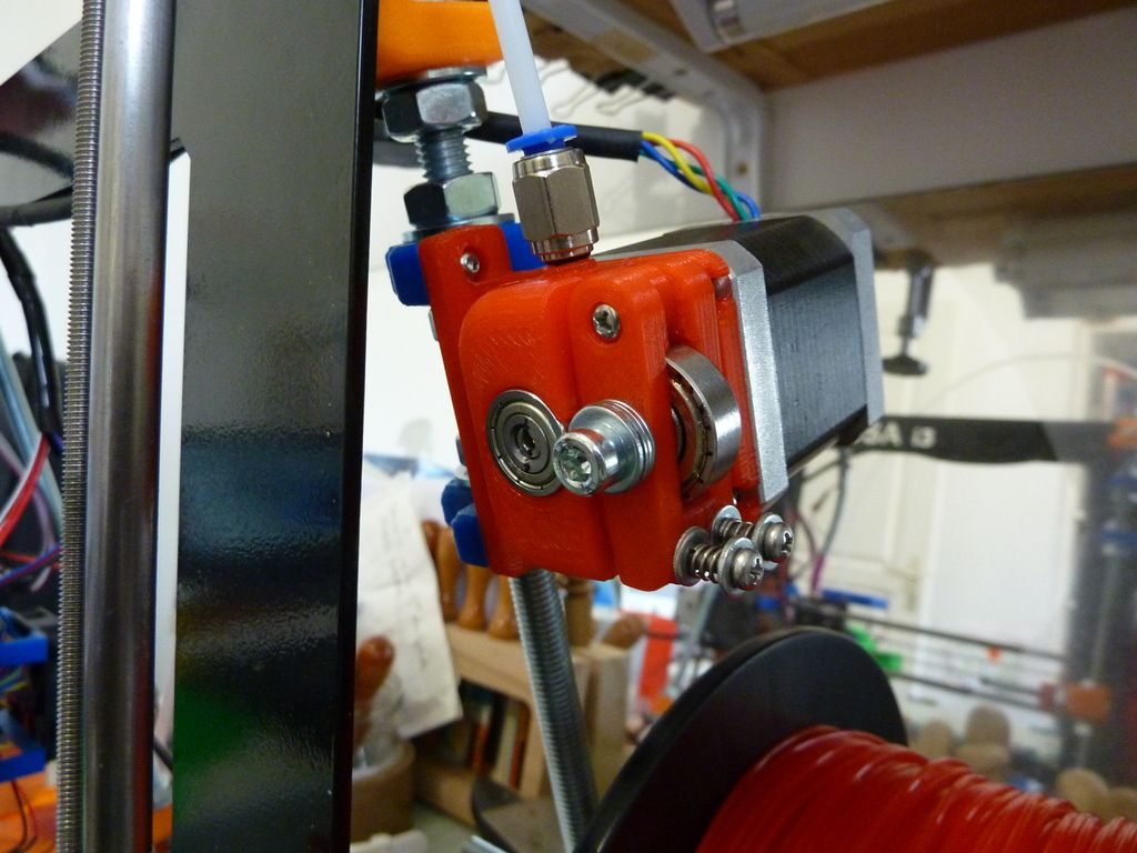 Compact+Bowden+extruder,+direct+drive,+bearing+bloc,+auto+