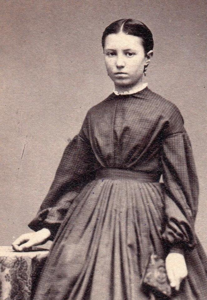 bishop-barrington-teen-girl