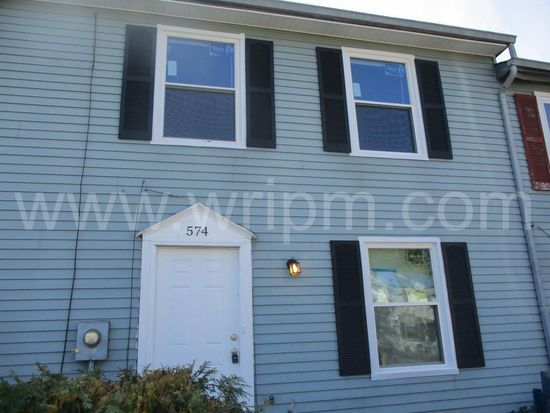 574 W Loch Lomond Dr, Sicklerville, NJ 08081