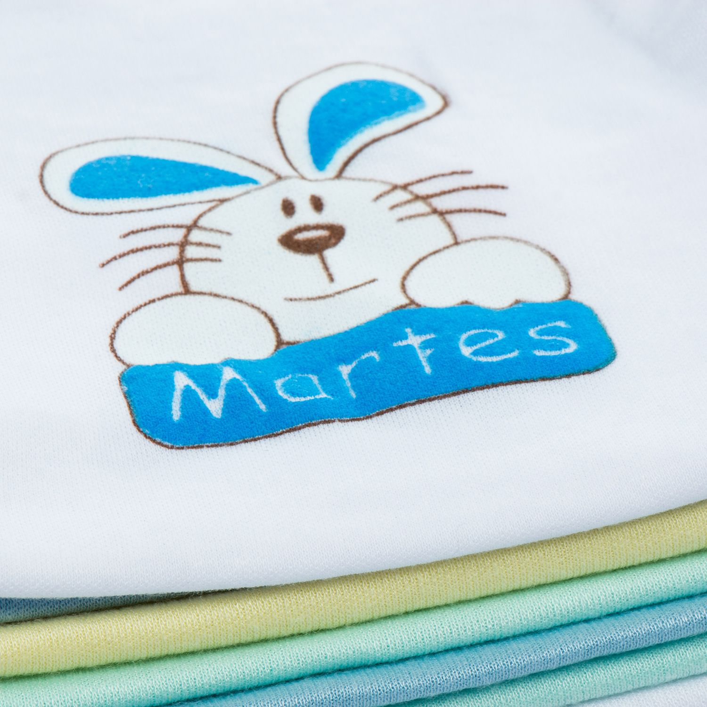 Este semanario de 14 piezas consta de  4 camisas manga sisa. 3 camisas  manga larga. 7 pantalones eb3277c1ea2