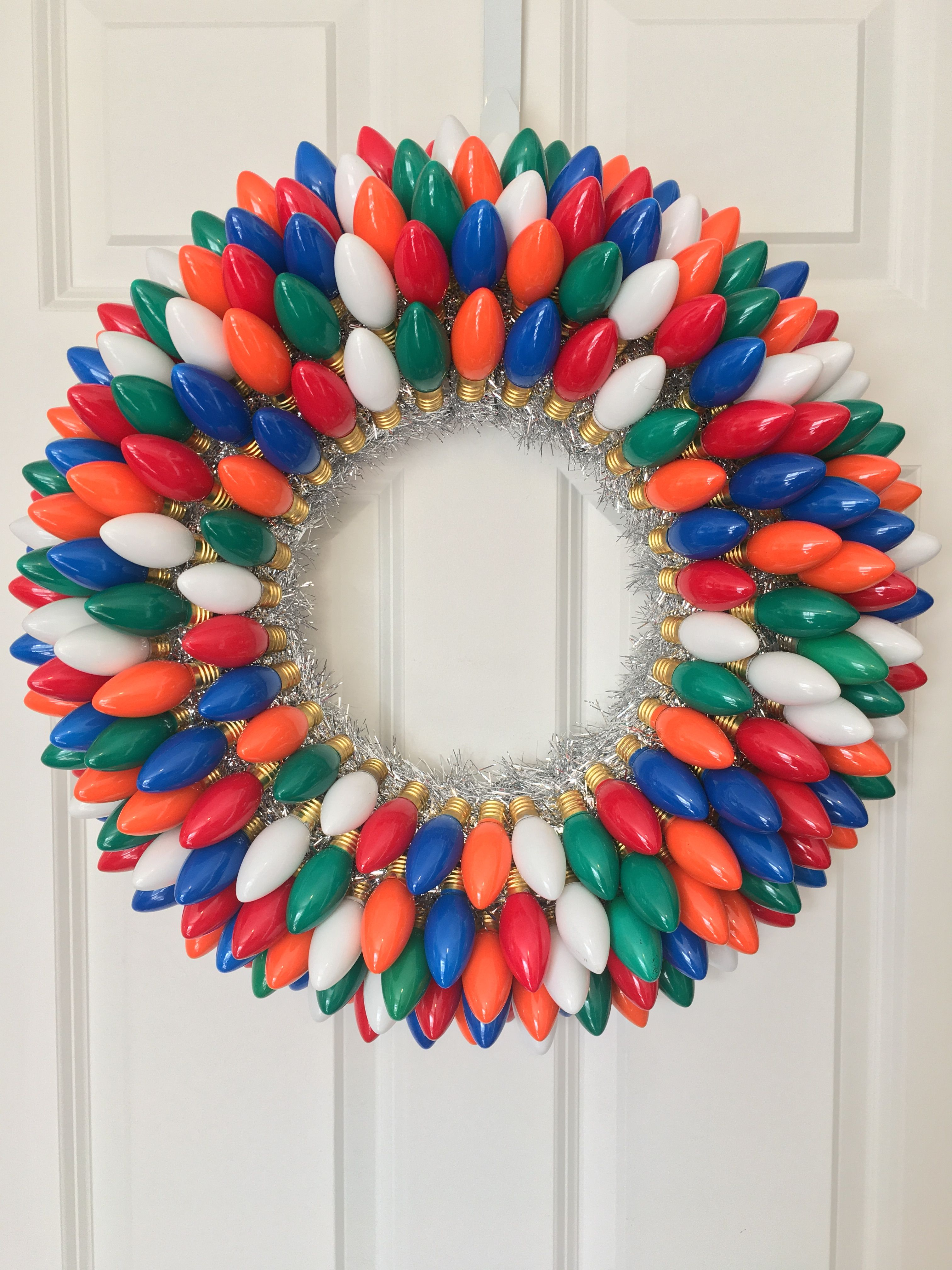 22 Light Bulb Wreath Christmas Whitechristmaswreaths
