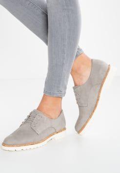 Épinglé sur les chaussures