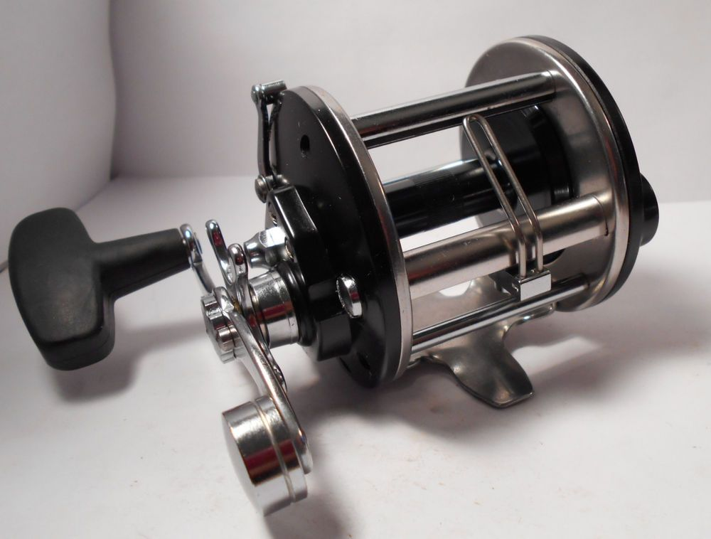9 Levelwind Saltwater Conventional Fishing Reel Surf Pier Boat Penn