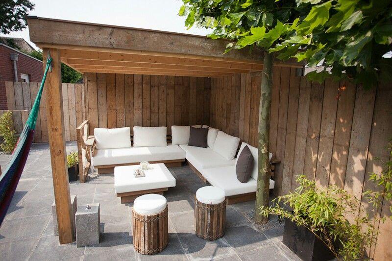 Overkapping en schutting steigerhout pinterest gardens - Deco gezellige lounge ...