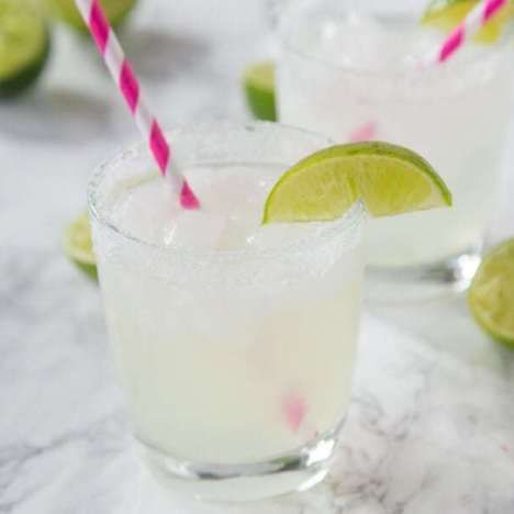 Classic Lime Margarita on the Rocks #limemargarita Classic Lime Margarita on the Rocks #limemargarita