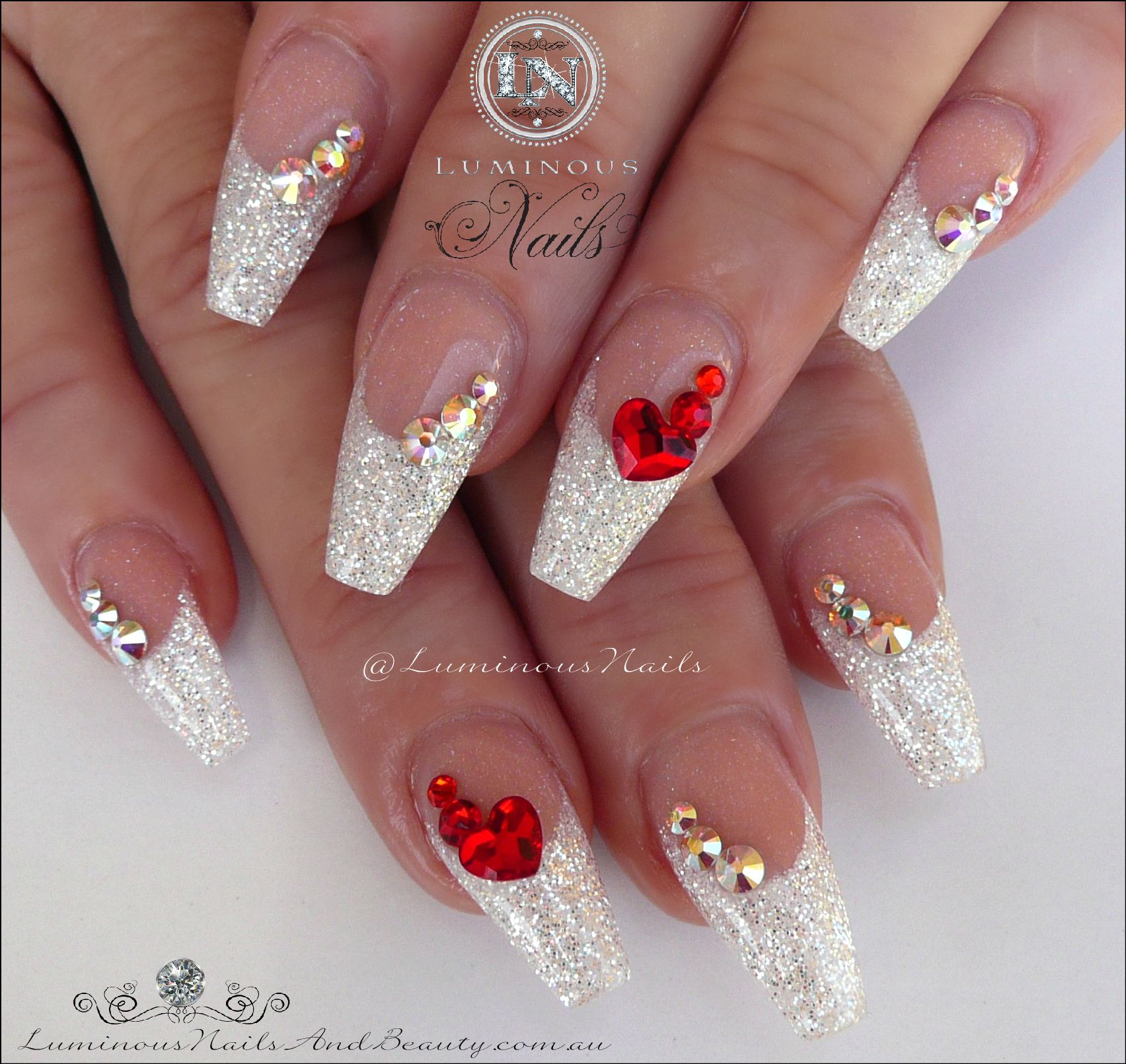 White Christmas Acrylic Nails With A Touch Of Red Nail Designs Valentines Valentines Nails White Acrylic Nails