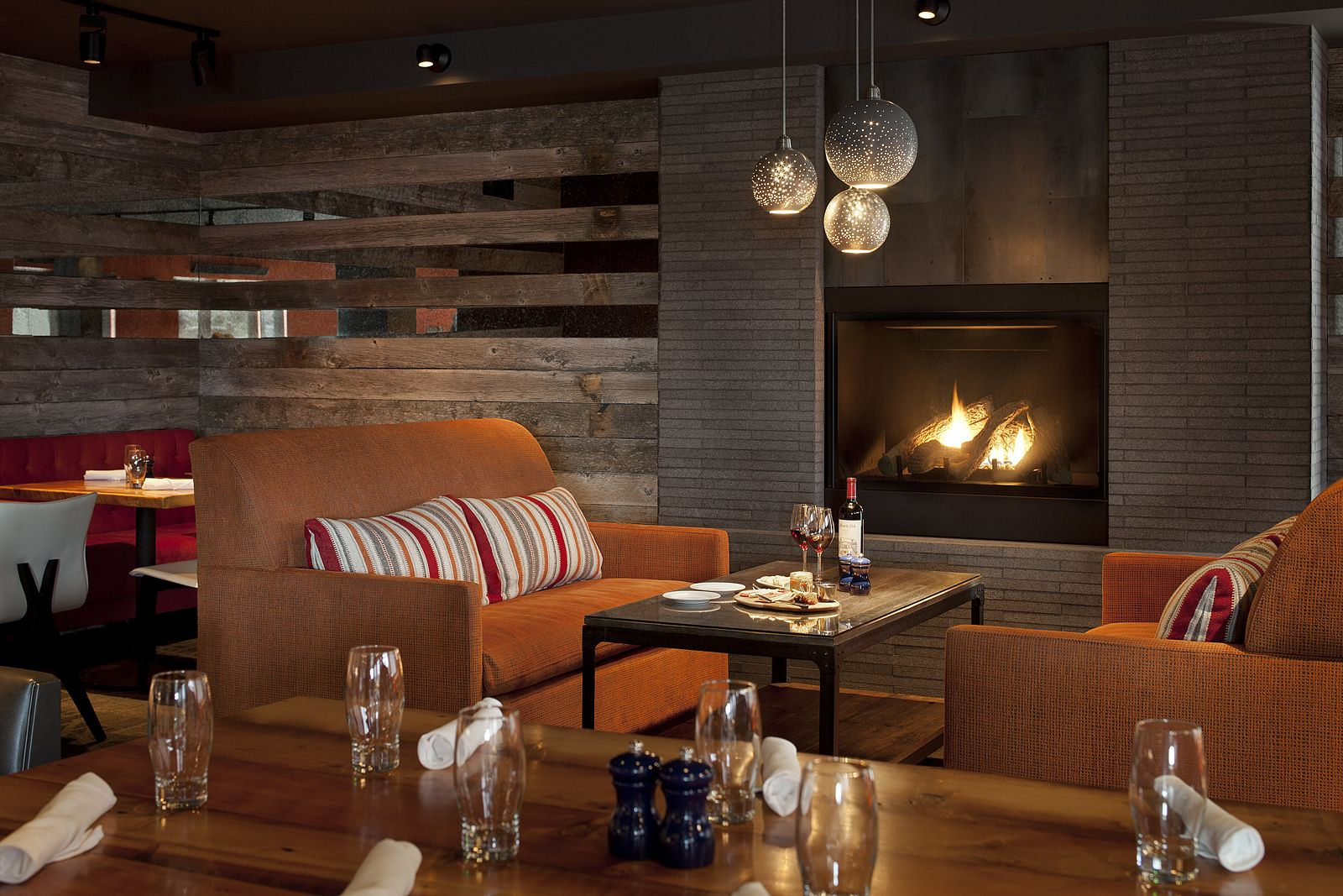 Spur Restaurant In The Teton Mountain Lodge Has Cozy Nooks