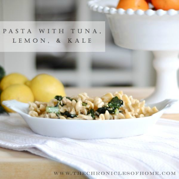 Delicious and healthy 15 minute weeknight meal - pasta with oil-packed tuna, lemon, and kale via The Chronicles of Home