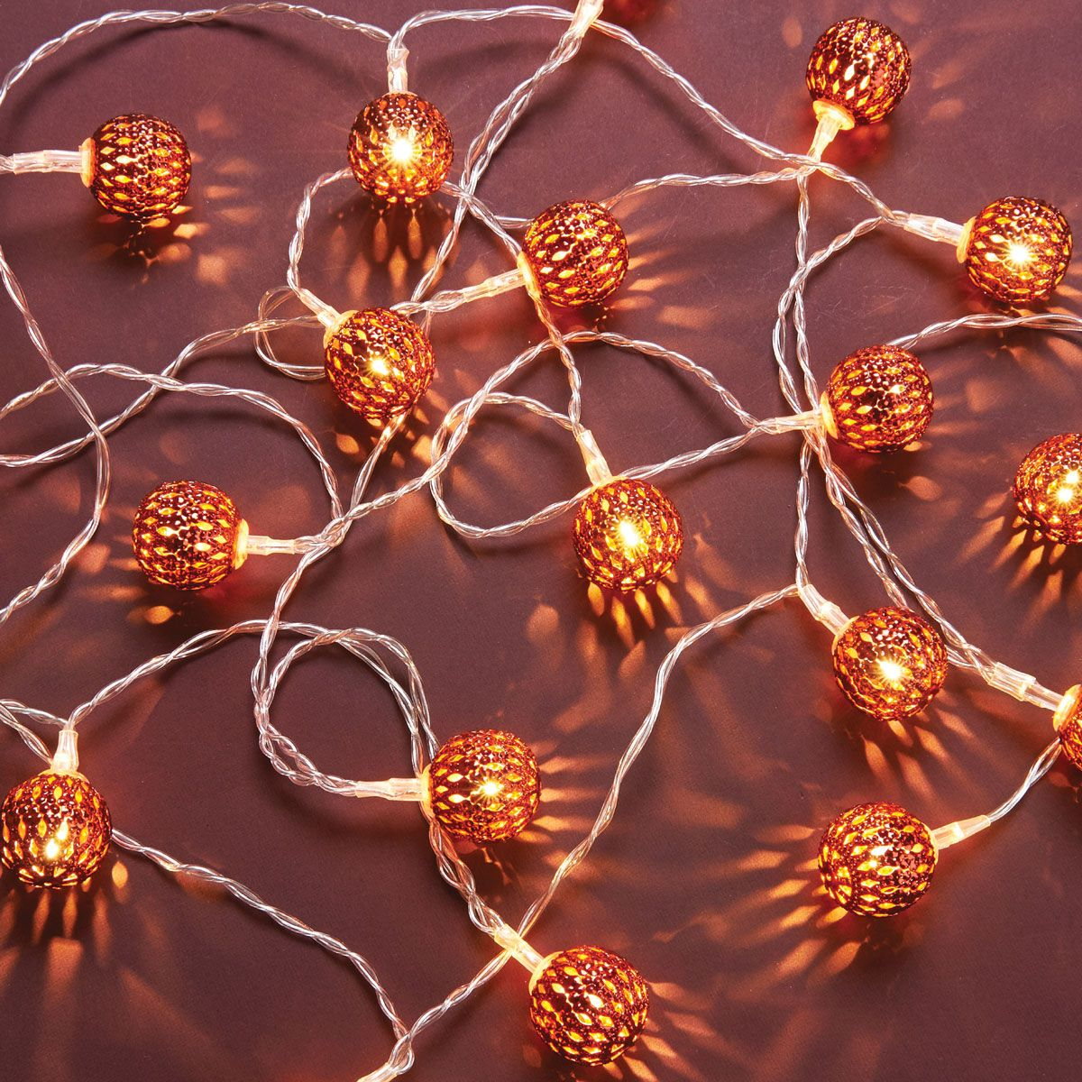 TRADITIONAL LED STRING LIGHTS WITH BALLS 2.8M - RED