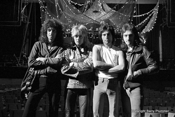 Queen © Earls Court June 1977 photo by Barry Plummer www.shadesphoto.co.uk