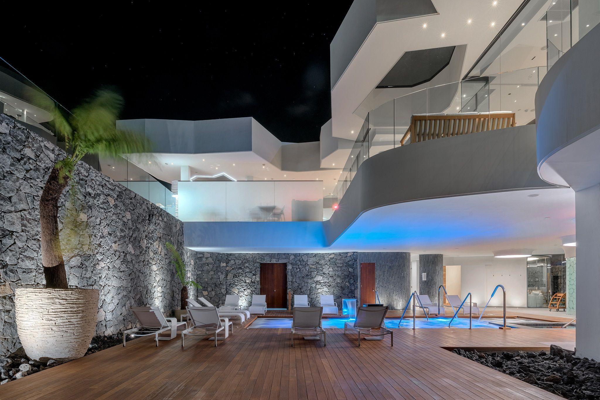 01b5efbacac7bc0cc932390750f96eae - Tenerife Royal Gardens Apartments For Sale