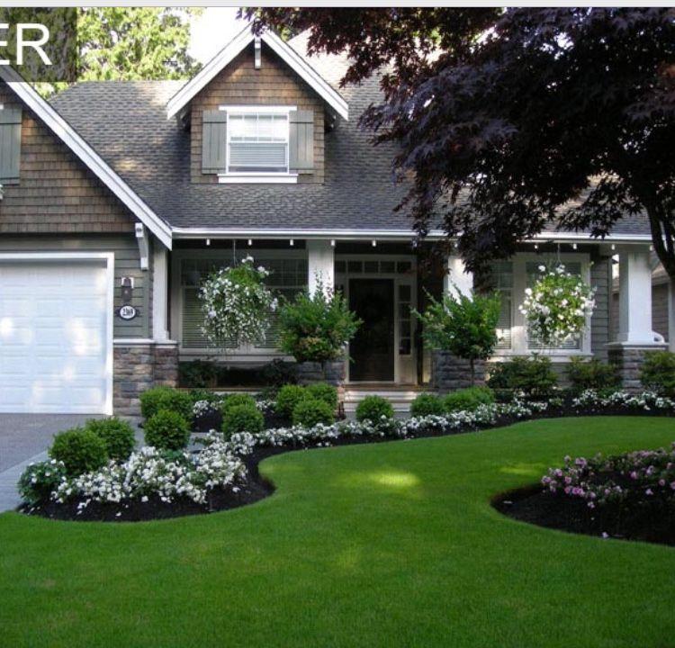 18 Front Yard Landscaping Designs Ideas: Front Yard Garden Design, House