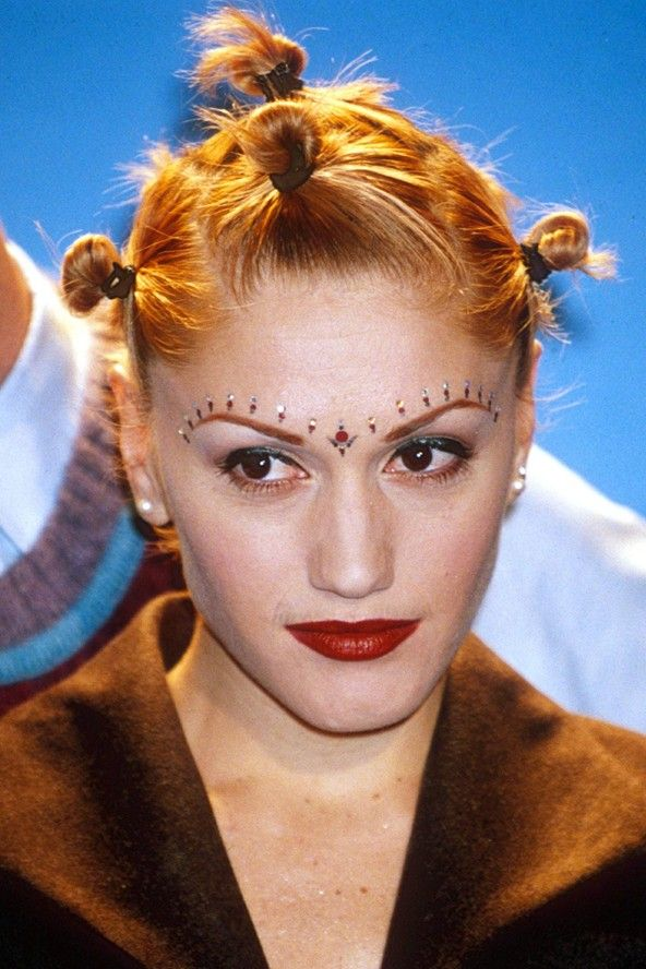 gwen stefani with the 90s fashion of tying your hair so that you looked like you had spikes. Black Bedroom Furniture Sets. Home Design Ideas
