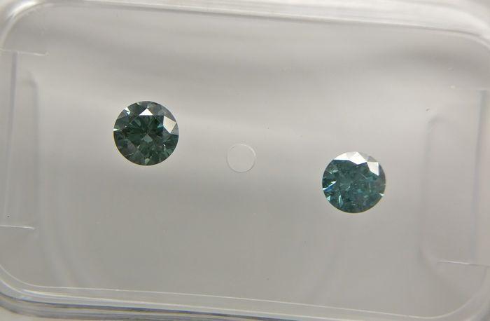Veel van 2 ronde geslepen diamanten total 028 ct Fancy Vivid blauw/groenachtig blauw SI2  -Cert nr.: D86529229BE-Ronde-028 ct (2 stenen)-Mooie levendige blauwachtig/groenachtig blauw-SI2-Zie certificaat voor meer details.-GEEN MINIMUMVERKOOPPRIJS!!!  EUR 1.00  Meer informatie