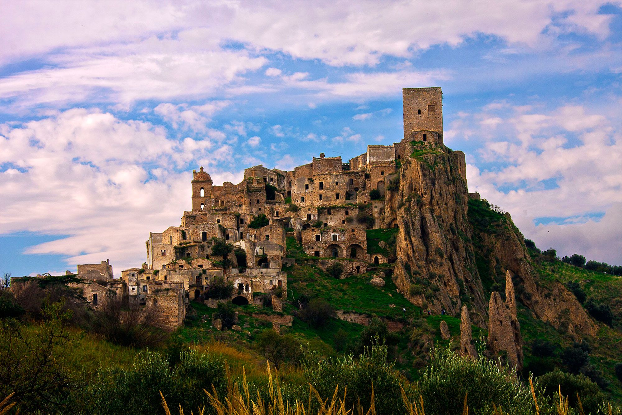 Craco A Ghost Town In Italy Just Stunning Weird Beautiful Places Pinterest Abandoned