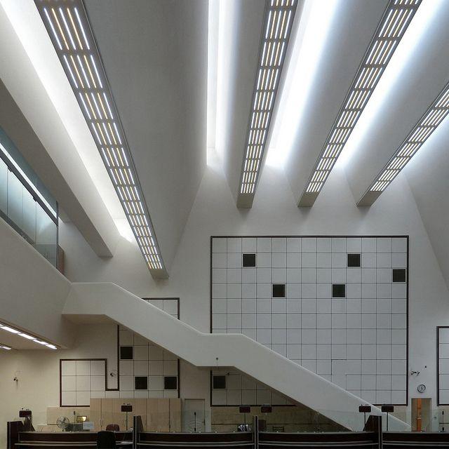 jørn utzon, bank melli, tehran, iran 1959-1962. banking hall. photographer: phillip arnold by seier+seier, via Flickr