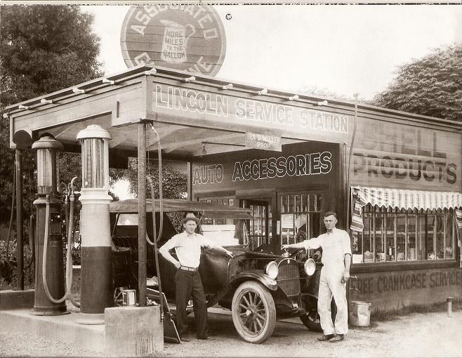 Associated gas station | 1930's - 1940's | Old gas stations, Gas