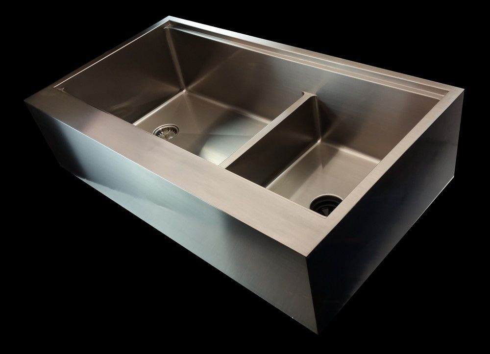 Ledge Kitchen Sinks Allow Cutting Boards, Colanders And Other Accessories  To Easily Integrate With The