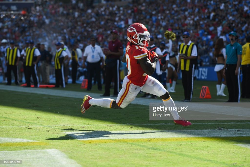 Wide Receiver Tyreek Hill 10 Of The Kansas City Chiefs Runs In To Score A Touchdown In The Fourth Quarter At Stu In 2020 Kansas City Chiefs Chief Los Angeles Chargers