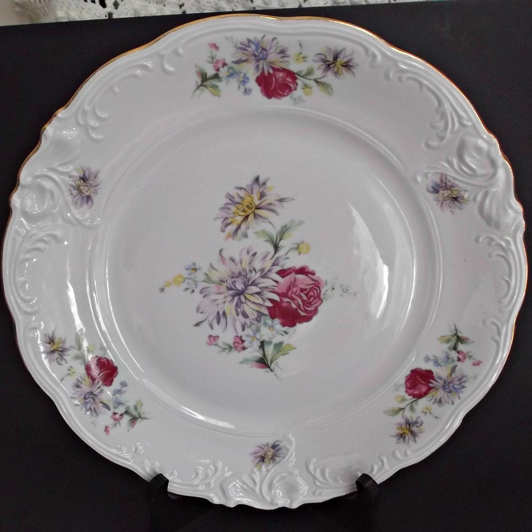 Here is a set of seven vintage china 10.5 inch dinner plates marked Walbrzych & Rosecrest Walbrzych Poland Dinner Plates Roses Mums Vintage China ...