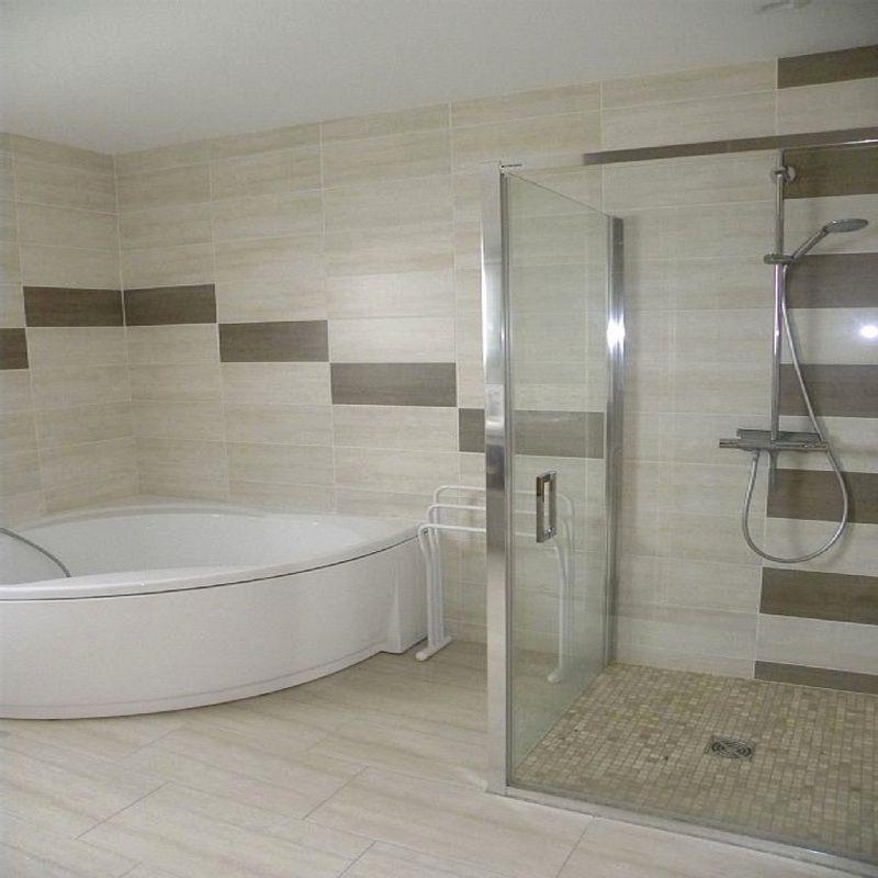 23+ Salle de bain avec baignoire angle ideas in 2021