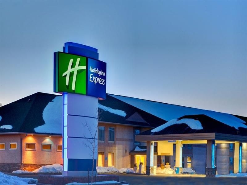 Dryden (ON) Holiday Inn Express Dryden Canada, North America The 2-star Holiday Inn Express Dryden offers comfort and convenience whether you're on business or holiday in Dryden (ON). The hotel has everything you need for a comfortable stay. Facilities like free Wi-Fi in all rooms, 24-hour front desk, facilities for disabled guests, express check-in/check-out, meeting facilities are readily available for you to enjoy. Each guestroom is elegantly furnished and equipped with han...