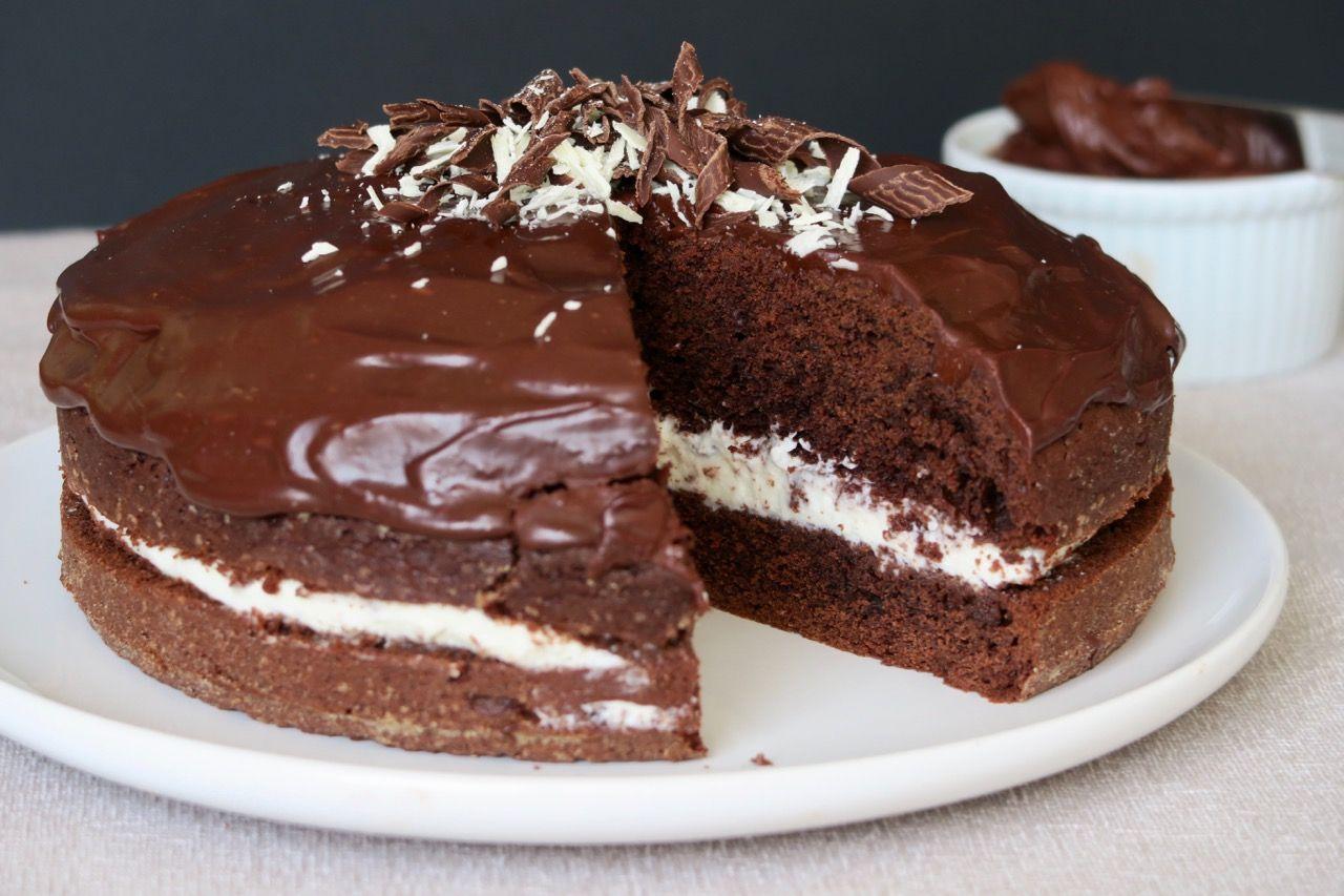Gateau Moelleux Au Chocolat Et A La Creme De Lait Dessert Pinterest