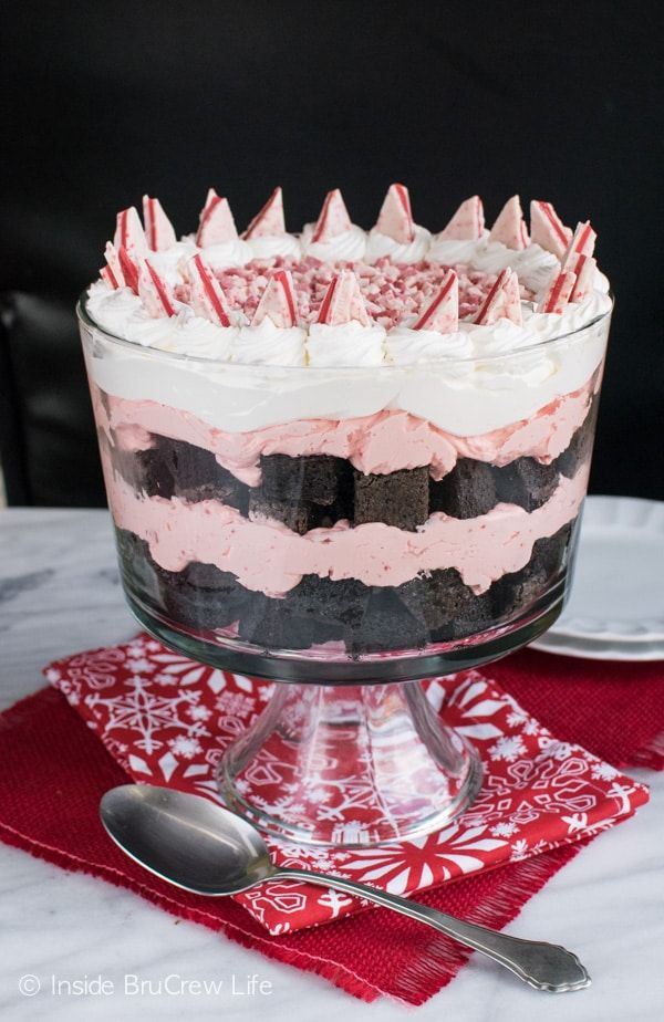 Peppermint Brownie Trifle - brownie cubes and no bake cheesecake layered with peppermint chips is a