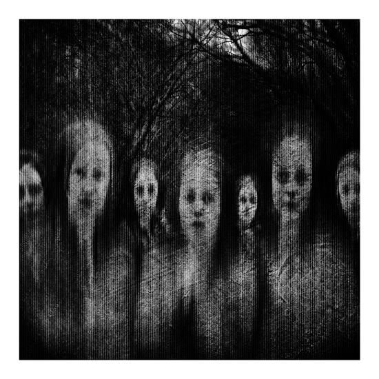 #Jalouín: Postfotografía y espíritus – Mi-Gọ Wēlsh (Amrashelyanwë) #Jaluoin #Halloween Coctel Demente
