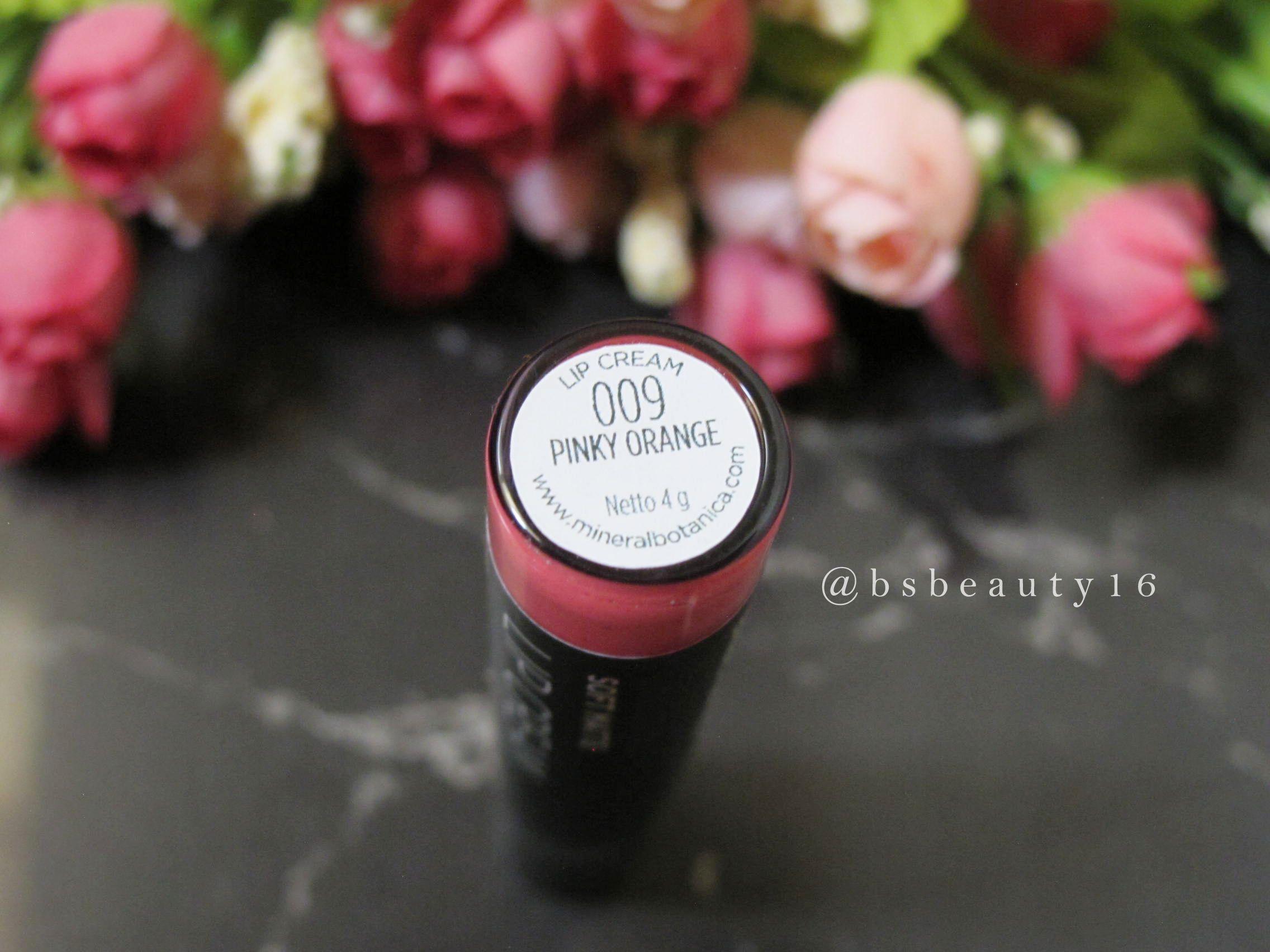 #mineralbotanica #lipstick #softmattecream #liquidlipstick #mattelipstick #pink #makeup #makeupreview #review #blogger #beautyblogger #blog #makeupblog http://blossomshine.com