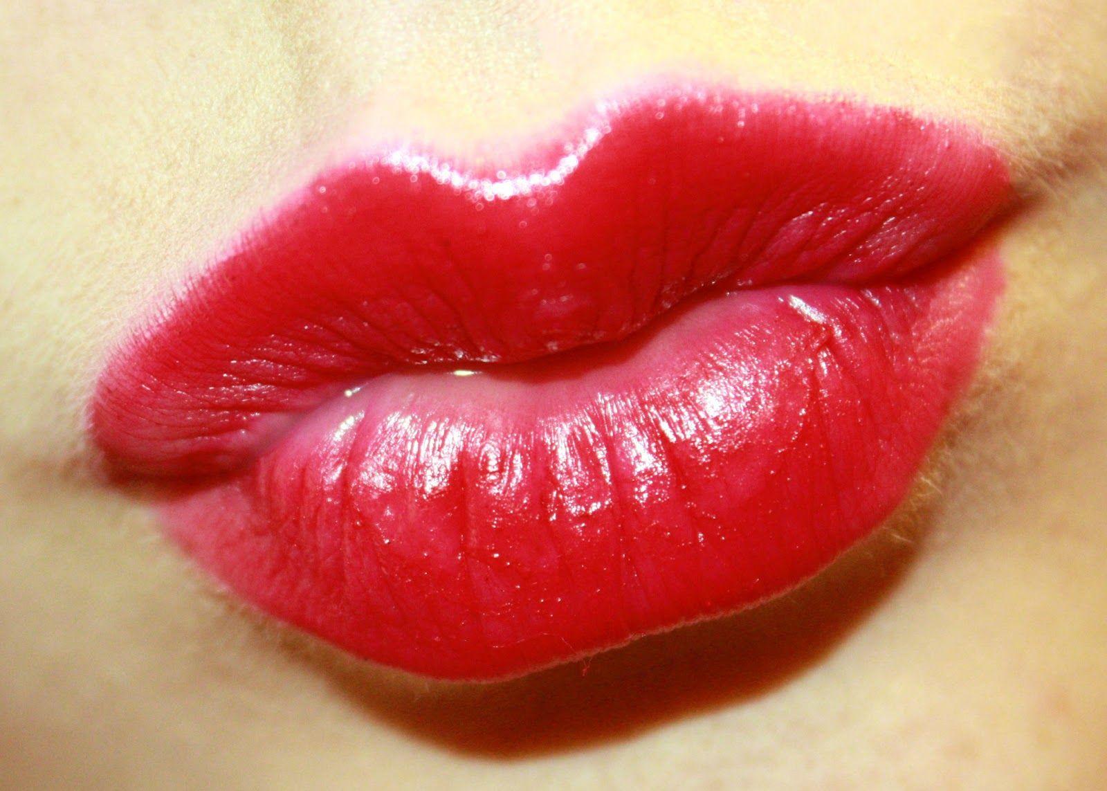Поздравлением новому, поцелуи картинки губы сладкие и живые