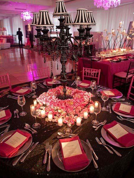 centre de table rose et noir mariage fushia et noir