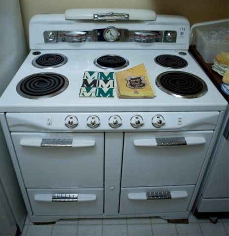 1951 Model Moffat Stove Sold For 410 At The Maxsold Toronto