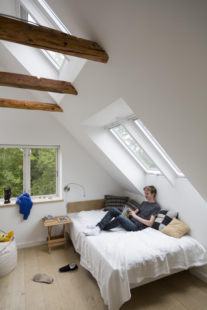traumhaftes wohngef hl mit dachfenstern wir haben uns. Black Bedroom Furniture Sets. Home Design Ideas