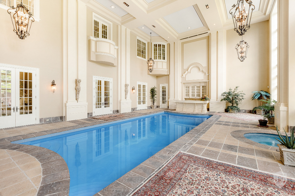 Chelster Hall In Oakville Canada For Sale 10330793 Luxury Homes Luxury Swimming Pools Swimming Pools