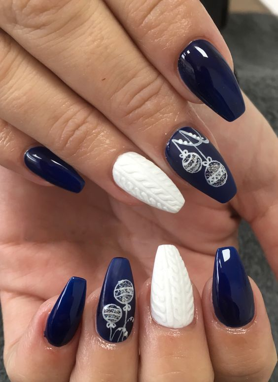 35 Nail Design Ideas For The Latest Autumn Winter Trends: 35+ Perfect Winter Nails For The Holiday Season