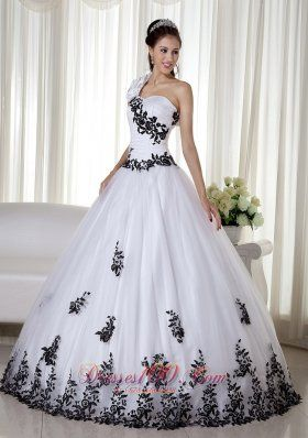 17 Best images about Ball gown on Pinterest | Black wedding ...