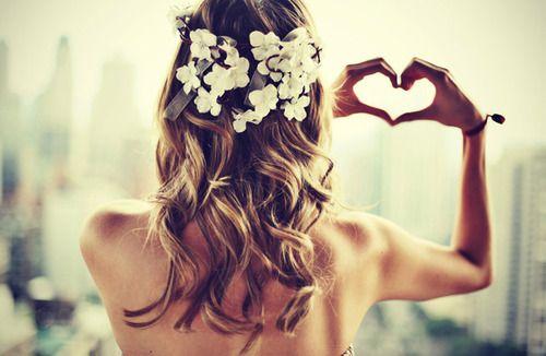 Cottage Hair Salon | DIY wedding hair ideas